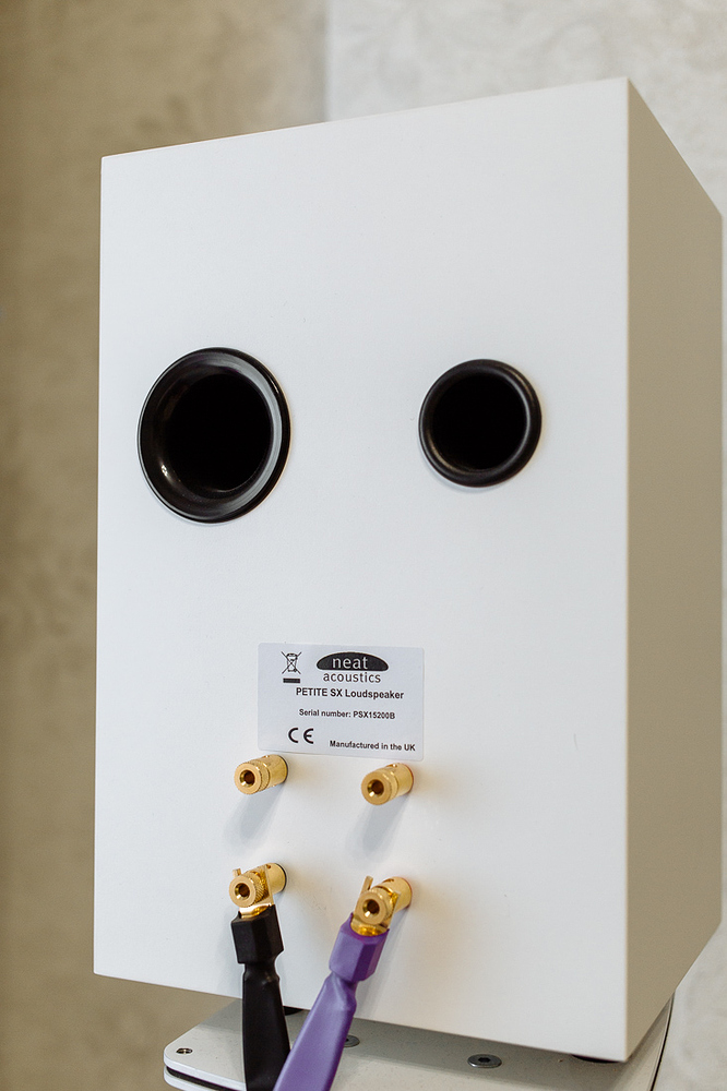 Neat petite speakers for sale — photo 4